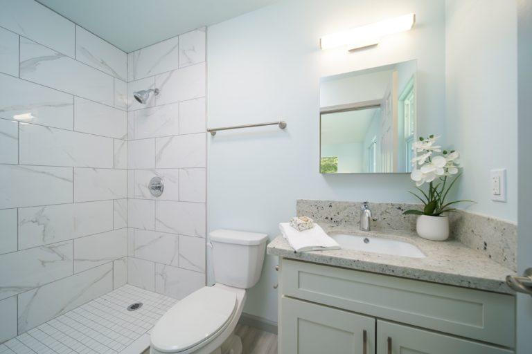 Modern Tiled Washroom